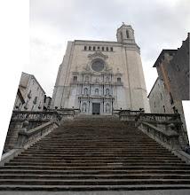Photo: Vilain panoramique mais qui témoigne de l'imposante montée d'escalier à la cathédrale !