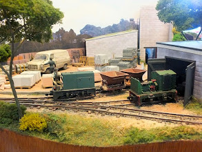 Photo: 004 Empty skips being propelled by the Hudson Hunslet, towards the loading bay at Thakeham Tiles .