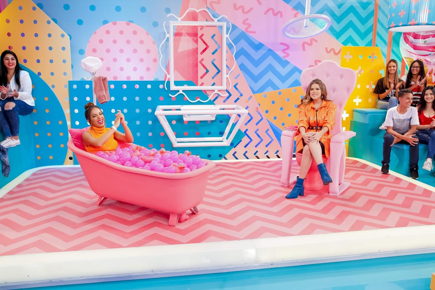 Anitta participa do quadro Banho de Sabedoria