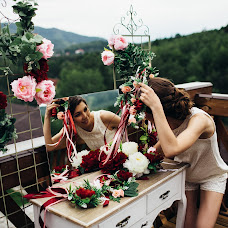 Wedding photographer Vasiliy Tikhomirov (BoraBora). Photo of 10.06.2015