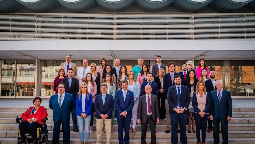La candiCandidatura del PP de Roquetas, este lunes, en su presentación oficial.