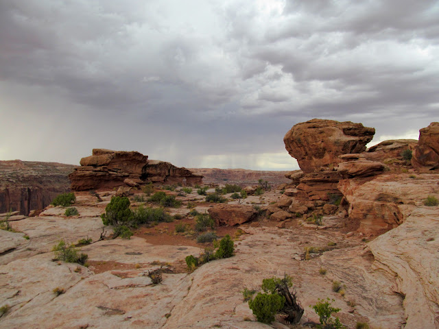 Rock formation on the rim of Labyrinth Canyon