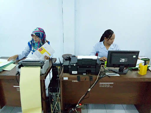 staf administrasi pengelola rusunawa gemawang