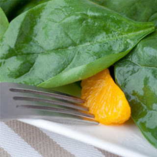 Spinach Salad with Oranges and Walnuts