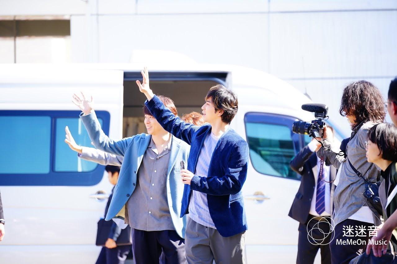 【迷迷現場】 (圖多) ARASHI 嵐 來台 千名粉絲湧入機場