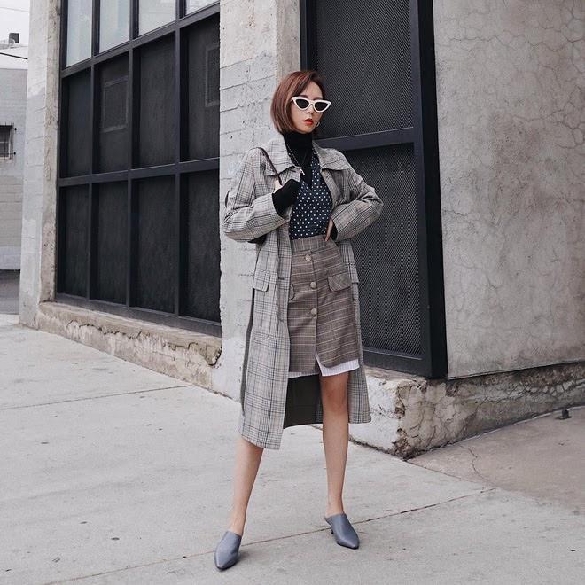Muốn mặc đẹp mà chẳng cần nghĩ nhiều, bạn cứ diện áo trench coat với 4 công thức xuất sắc miễn bàn này - Ảnh 2.
