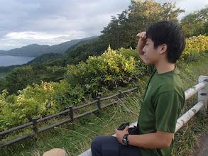 Photo: 支笏湖を見る