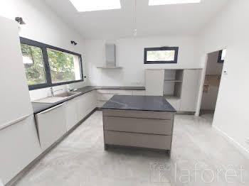 Maison 10 pièces 258,76 m2