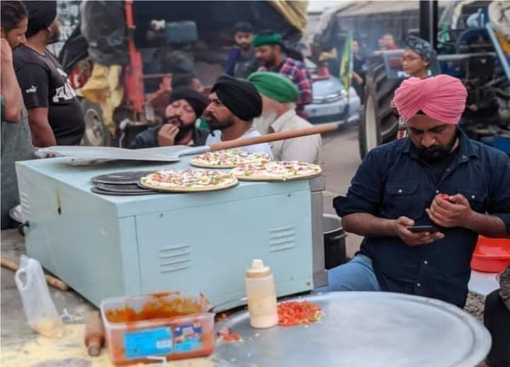 A pizza langar that was setup to feed protesting Indian farmers and boost morale has also been winning the internet.