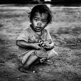 This Life by Marc Anderson - Black & White Portraits & People ( kids portrait, homeless, street life, manila, street photography )