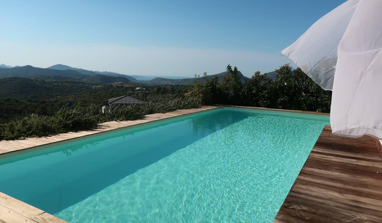 Villa avec piscine en bord de mer Saint-Florent