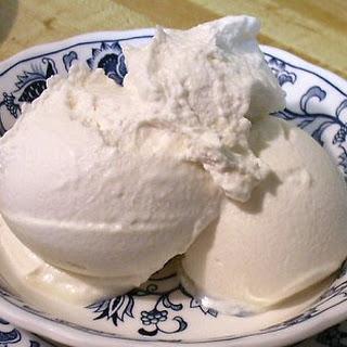 EASY CARAMEL ICE CREAM