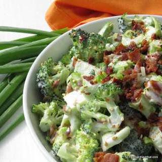 Easy, Low Carb Bacon Broccoli Salad