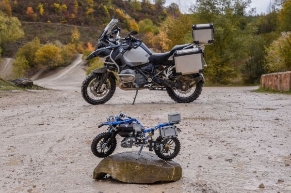 The LEGO Technic BMW R 1200 GS Adventure