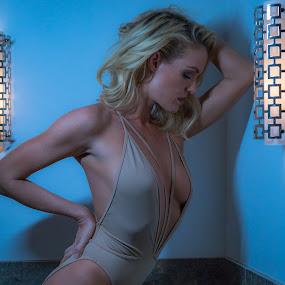 Ms. Lauren Alexis by Jeffrey Martin - People Portraits of Women ( beautiful, model, blonde, portrait, female model, las vegas, showgirl )
