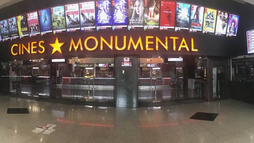 Imagen de archivo de los Cines Monumental.