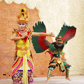 The Mighty Grace by Arifah Mardiningrum - People Musicians & Entertainers ( bali, tradition, traditional dance, dance, colorfull costumes, dancer )
