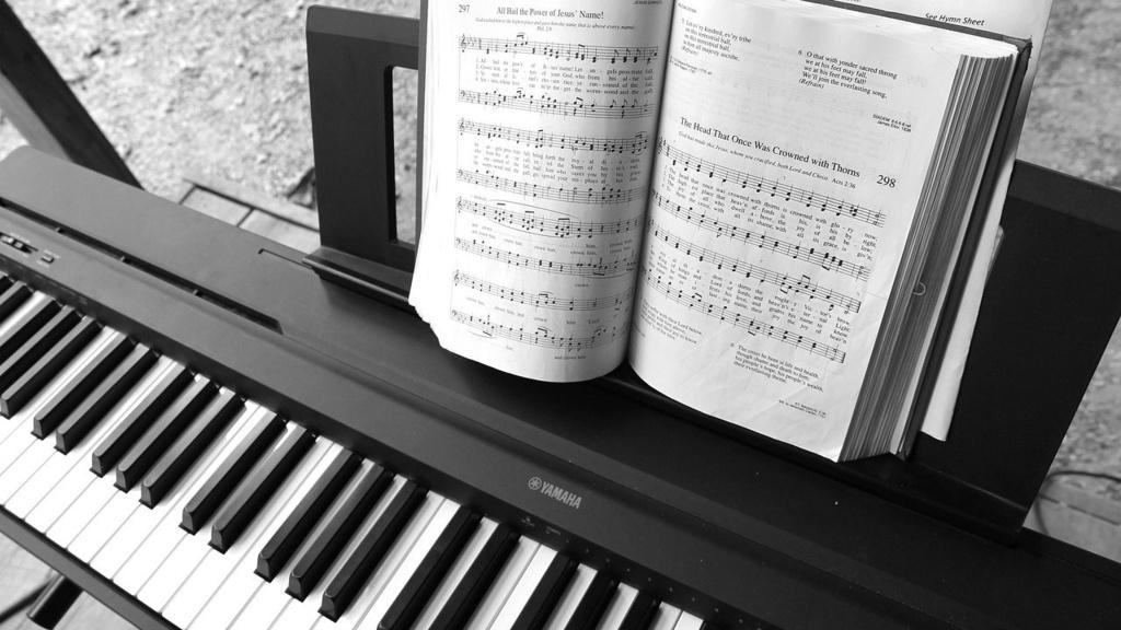 mua đàn piano cho người mới học