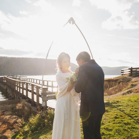 Wedding photographer Kristina Smirnova (irkkris). Photo of 11.11.2017