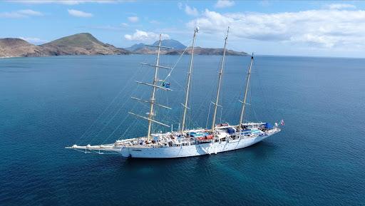 star-flyer-frigate-bay-st-kitts.jpg - Star Flyer anchored in Frigate Bay, St. Kitts and Nevis.