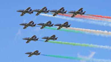 Photo: Włoski zespół akrobacyjny Frecce Tricolori na samolotach MB-339A