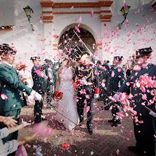 Wedding photographer Tony Meres (meres). Photo of 11.02.2014