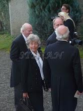 Photo: Fürtin Paula and Fürst Heinrich (with the back to the camera) zu Fürstenberg