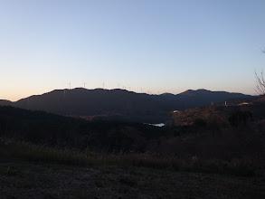 風車が特徴的な三岳山