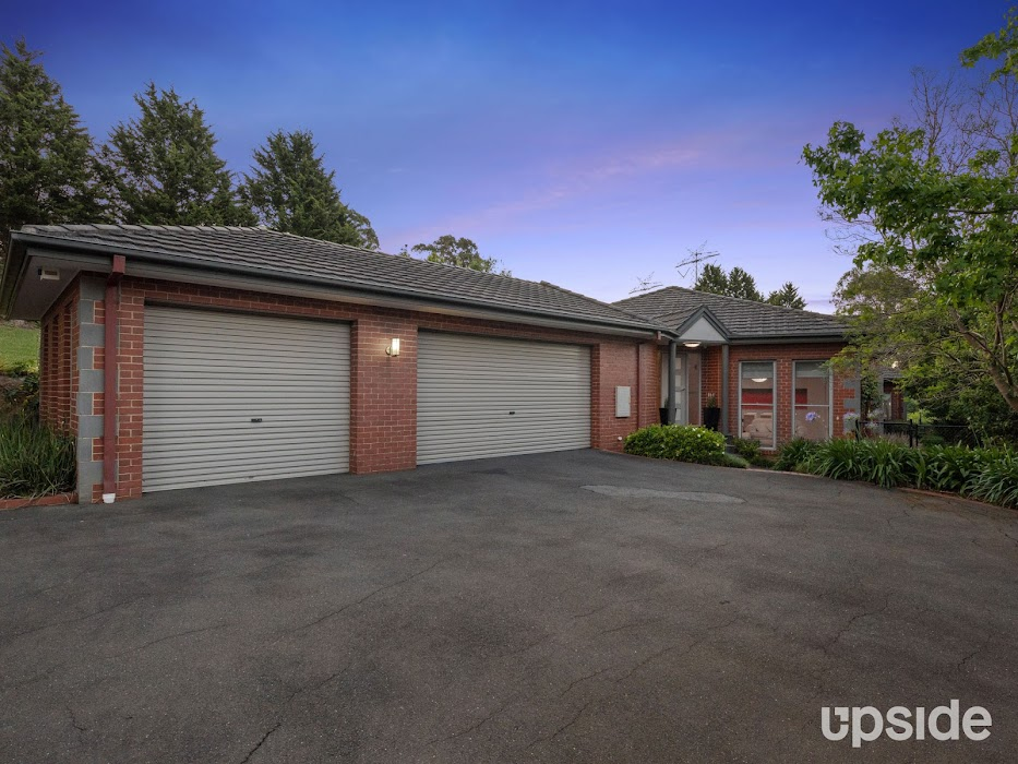 Main photo of property at 4 Arnold Drive, Donvale 3111