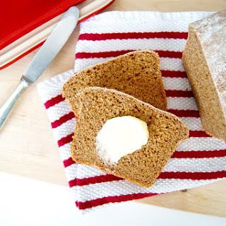 Simple Spelt Bread (Vegan).