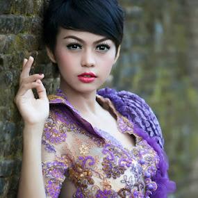 Amhiirah.. by Bambang Leksmono - People Portraits of Women
