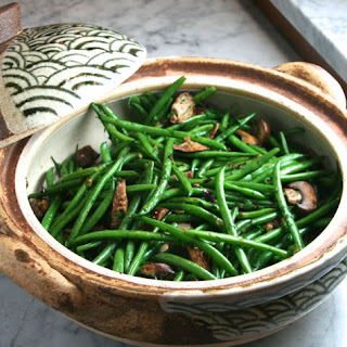 Sautéed Haricots Verts with Mushrooms & Scallions