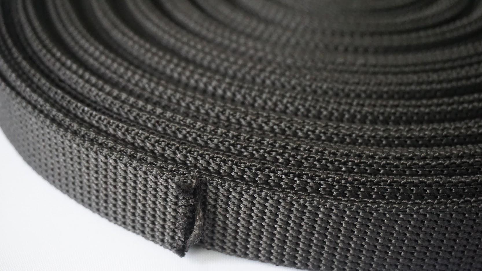 Crna gurtna sa ojačanjem. Izrada svih vrsta po željenoj dimenziji i boji.