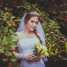 Wedding photographer Alena Zvezdina (Viorteia). Photo of 18.10.2013