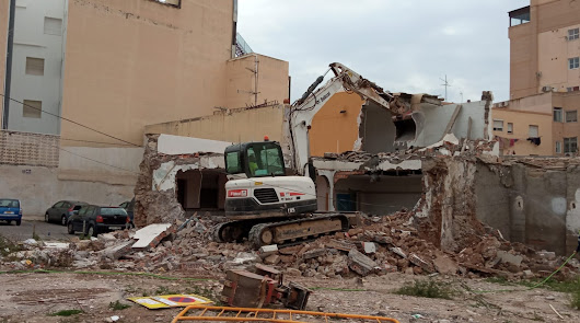 Demolición de las últimas viviendas para arrancar la urbanización en Barrio Alto