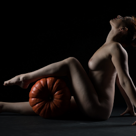 nude with pumpkin by Reto Heiz - Nudes & Boudoir Artistic Nude ( studio, nude, nudeart, female nude, lowkey )