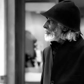 The Patriarc by Fernando Alves Fotografia - People Portraits of Men