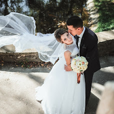 Wedding photographer Olya Naumchuk (olganaumchuk). Photo of 25.12.2017