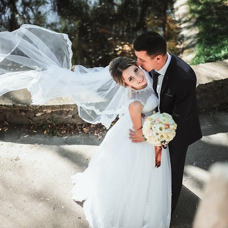 Wedding photographer Olya Naumchuk (olganaumchuk). Photo of 25.12.2017
