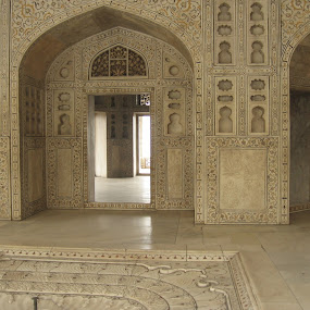 Inside of Shah Jehangir Mahal, Agra Fort by Milan Mondal - Buildings & Architecture Public & Historical