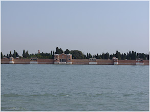 Photo: Vista del Cementerio . Isla de San Michele Venecia http://www.viajesenfamilia.it/
