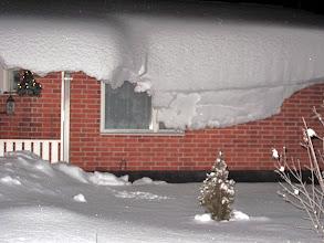 Photo: Merry Christmas and Happy New Year! Sitkolunta naapurin katolla - salamavalo teki lumesta syötävän näköistä ;)