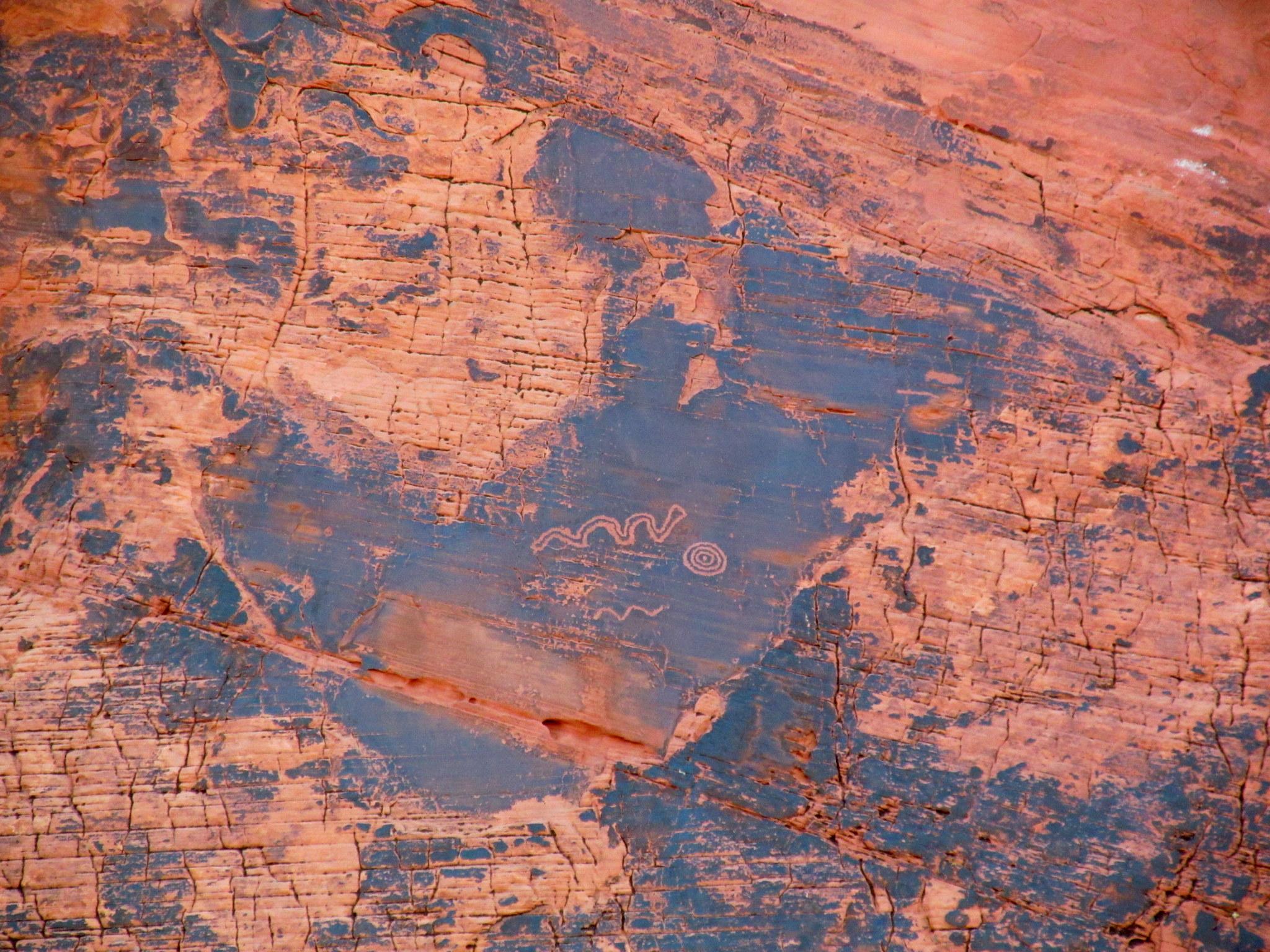 Photo: Petroglyphs on the way to Atlatl rock