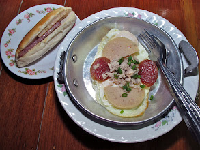 Photo: Vietnamese-style breakfast in Mae Hong Son