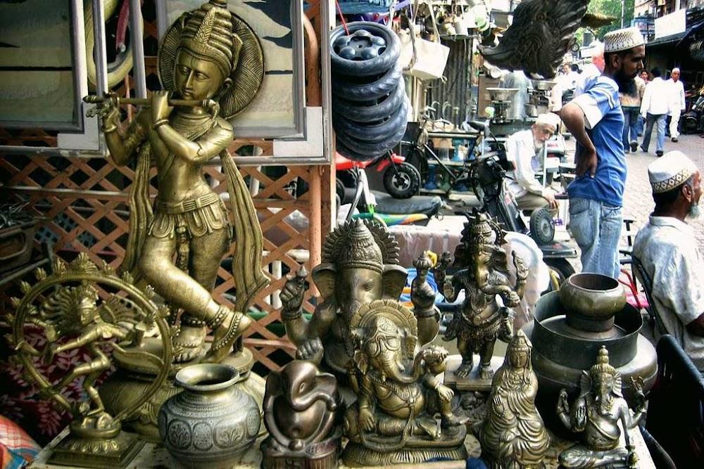chor-bazaar-street-shopping-in-mumbai_image