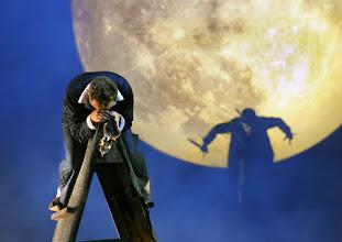 Photo: WIEN/ Burgtheater: DER ALPENKÖNIG UND DER MENSCHENFEIND von Ferdinand Raimund. Inszenierung: Michael Schachermaier. Premiere 29.9.2012. Cornelius Obonya, Johannes Krisch. Foto. Barbara Zeininger