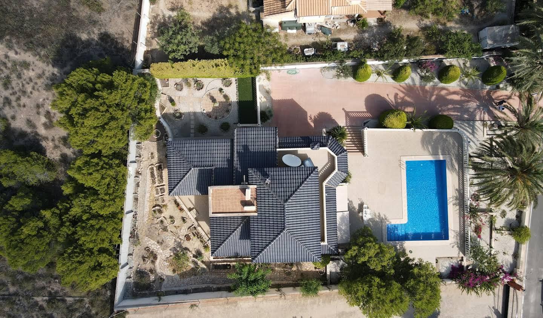 Seaside villa with pool Murcia