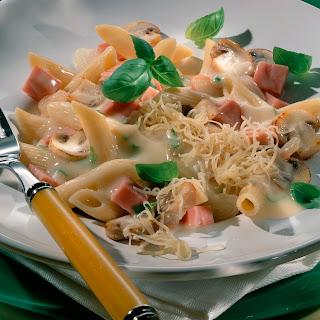 Pasta mit Pilz-Basilikum-Soße