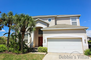Orlando villa close to Disney has air conditioned games room and large pool deck