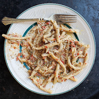 Corkscrew Pasta with Sicilian Tomato Pesto (Busiate alla Siciliana)